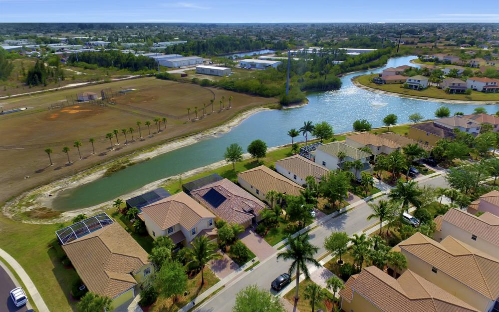 2504 Keystone Lake Dr, Cape Coral - Home For Sale 1874381748