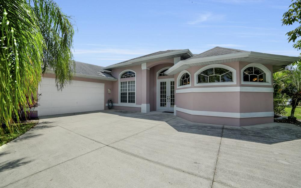 1108 Hancock Bridge Pkwy, Cape Coral - Home For Sale 329431956