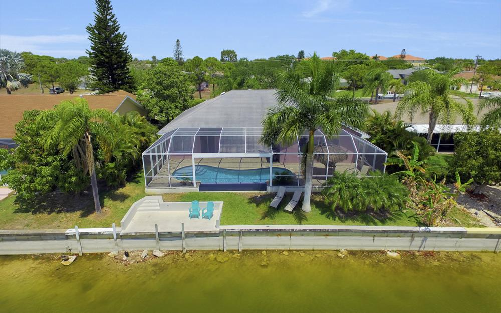 1108 Hancock Bridge Pkwy, Cape Coral - Home For Sale 949476624