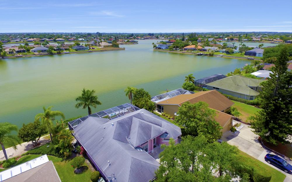 1108 Hancock Bridge Pkwy, Cape Coral - Home For Sale 1863466060