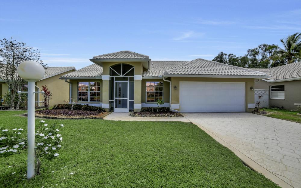 13565 Cherry Tree Ct, Fort Myers - Home For Sale 94154552