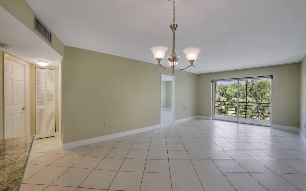 501 Forest Lakes Blvd # 301, Naples - Condo For Sale 2008476010