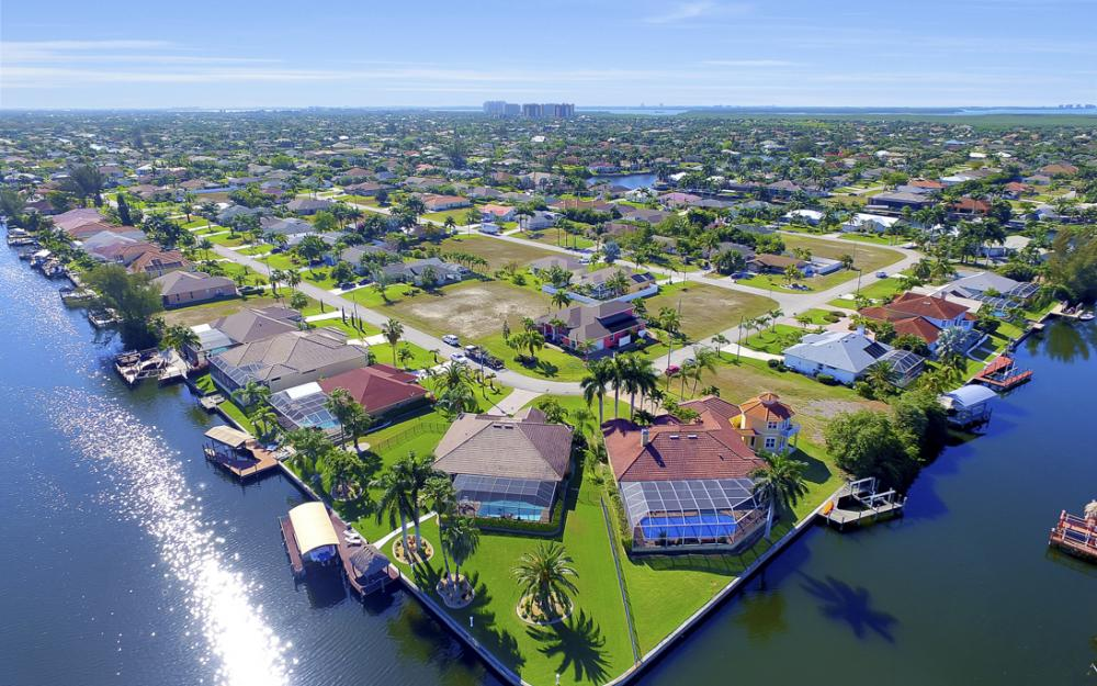 2413 SW 50th St, Cape Coral - Home For Sale 1173503669