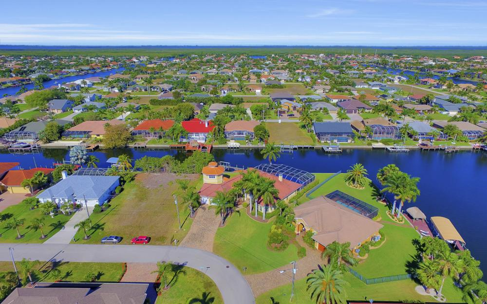 2413 SW 50th St, Cape Coral - Home For Sale 1753825197