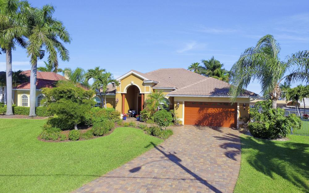 2413 SW 50th St, Cape Coral - Home For Sale 1524397835