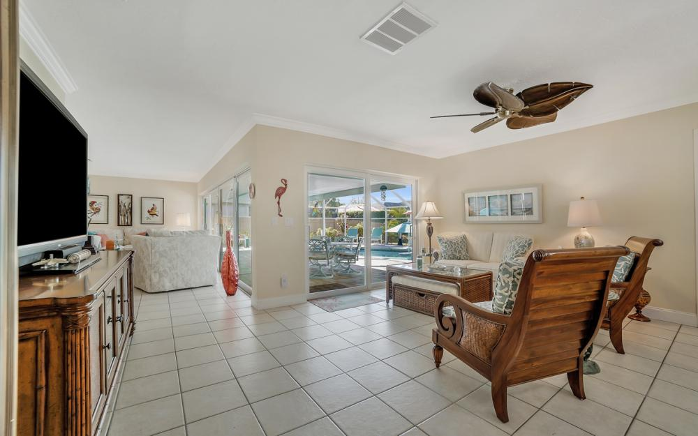1161 N Collier Blvd, Marco Island - Home For Sale 1098880347