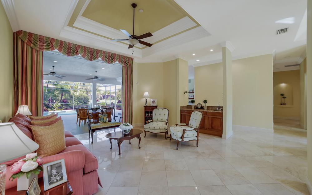980 Glen Lake Cir, Naples - Home For Sale 620467260