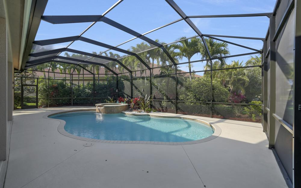 980 Glen Lake Cir, Naples - Home For Sale 1543346503