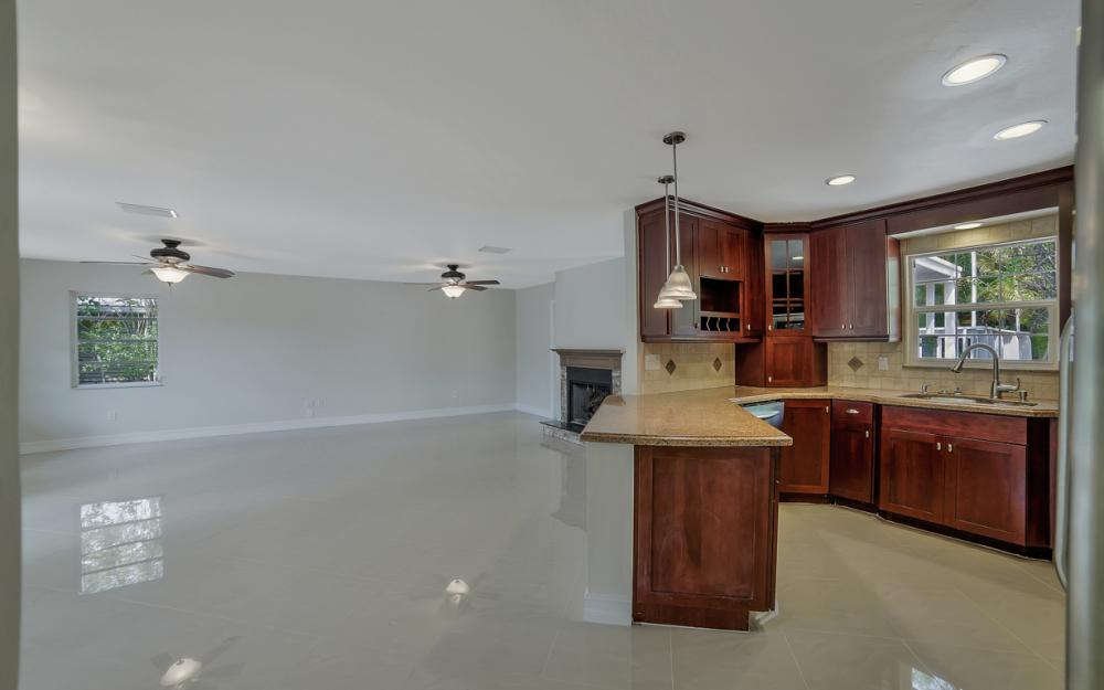 1331 Alhambra Dr, Fort Myers, - Home For Sale 185067116