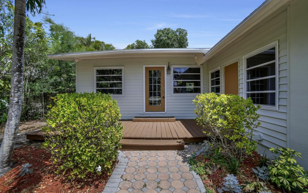1331 Alhambra Dr, Fort Myers, - Home For Sale 250760845