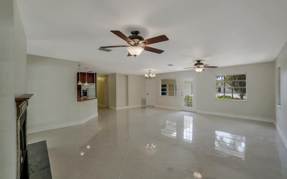 1331 Alhambra Dr, Fort Myers, - Home For Sale 1935755731