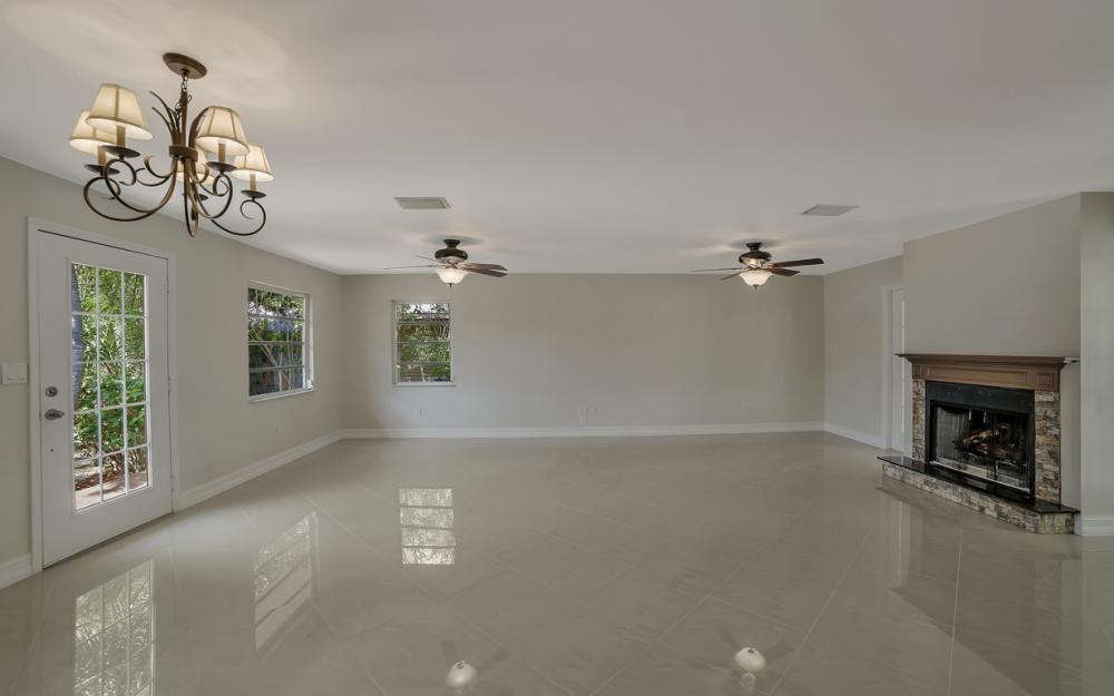 1331 Alhambra Dr, Fort Myers, - Home For Sale 2104276109