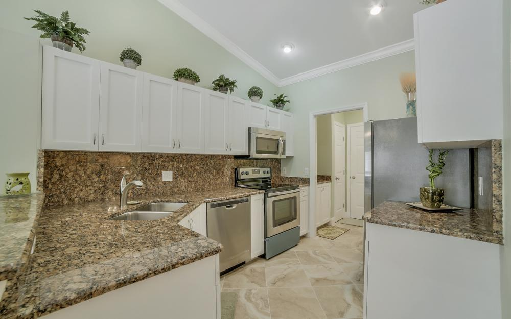 12732 Glen Hollow Dr, Bonita Springs - Home For Sale 1016201455