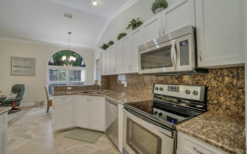 12732 Glen Hollow Dr, Bonita Springs - Home For Sale 737475527