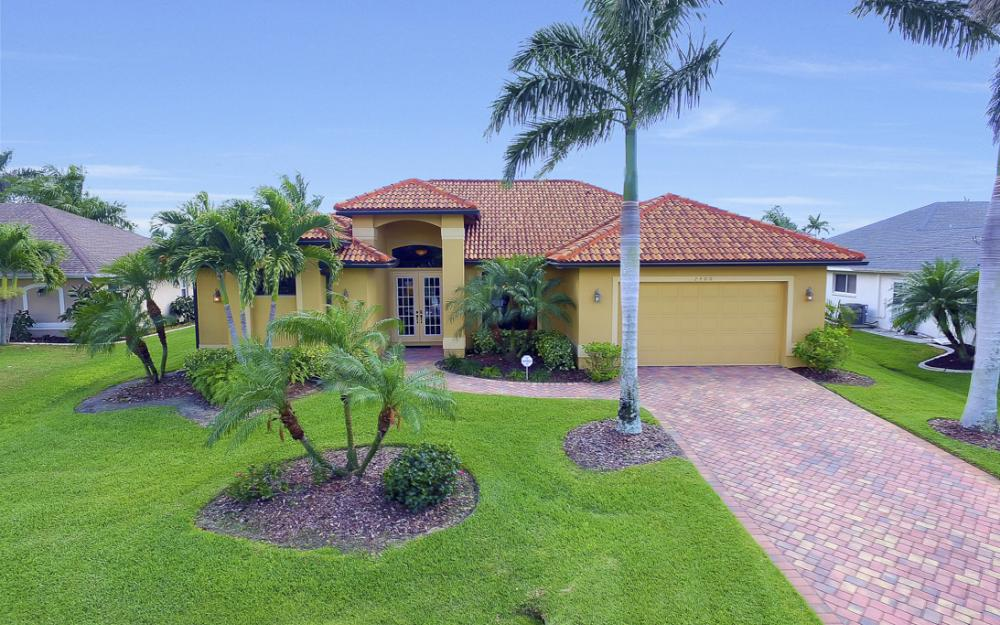 2400 SW 39th Terrace, Cape Coral - Home For Sale 861368063