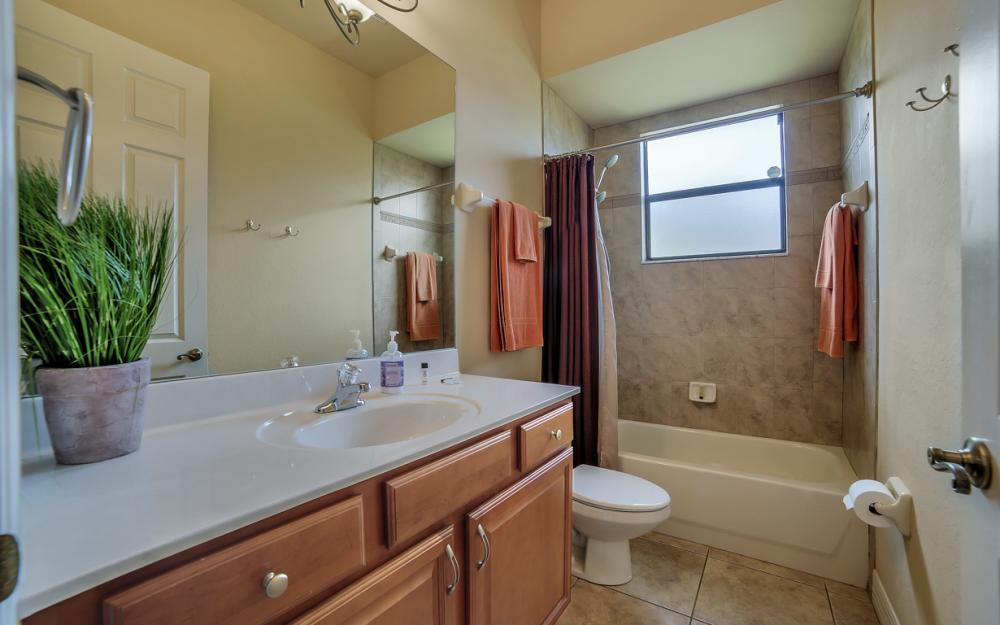 2400 SW 39th Terrace, Cape Coral - Home For Sale 536918333
