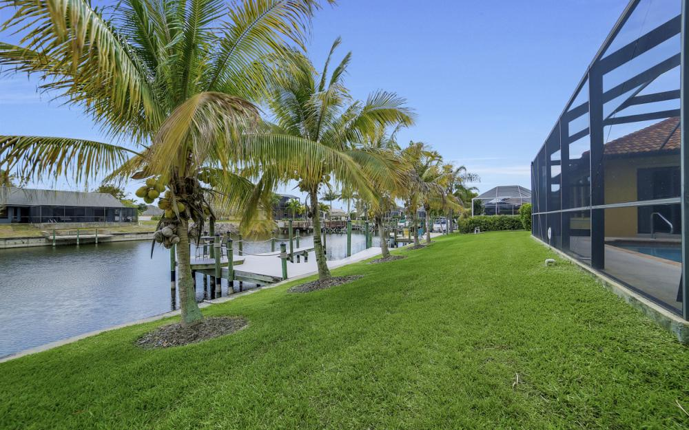 2400 SW 39th Terrace, Cape Coral - Home For Sale 464039733