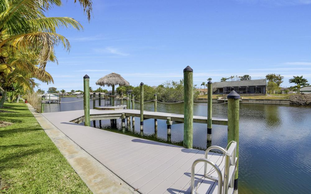 2400 SW 39th Terrace, Cape Coral - Home For Sale 197095410