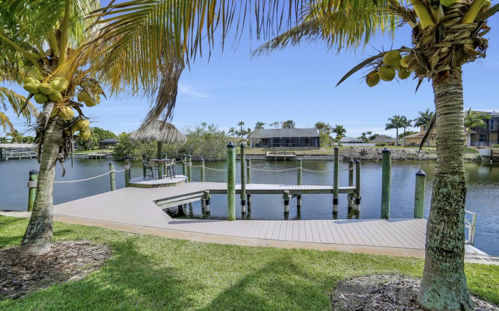 2400 SW 39th Terrace, Cape Coral - Home For Sale 837643988