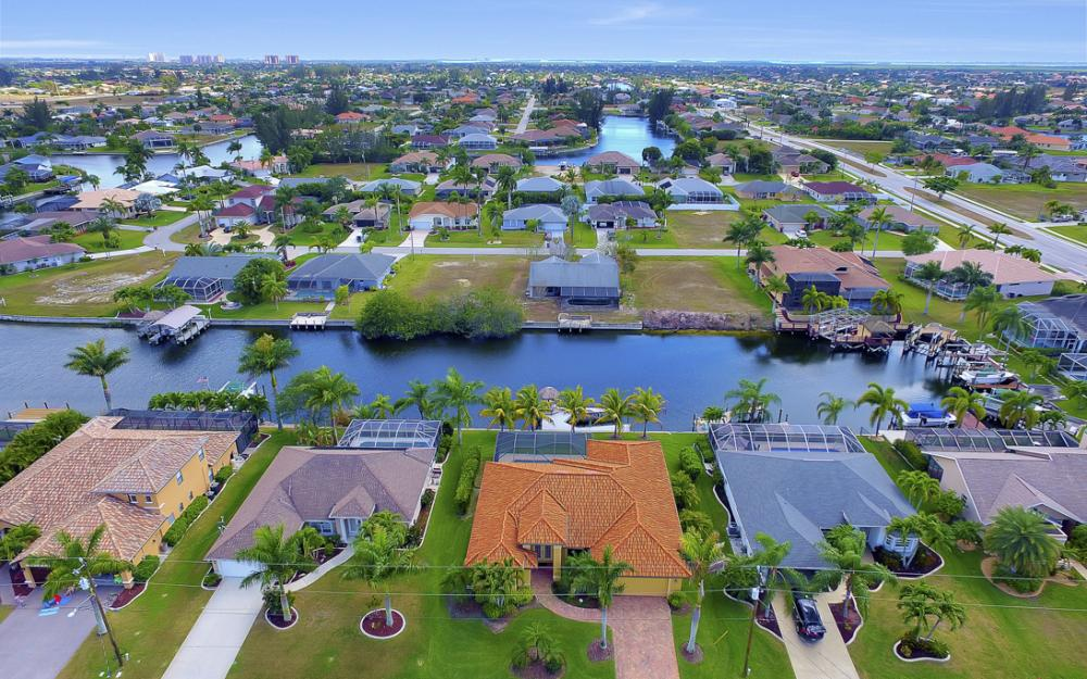 2400 SW 39th Terrace, Cape Coral - Home For Sale 1529303718
