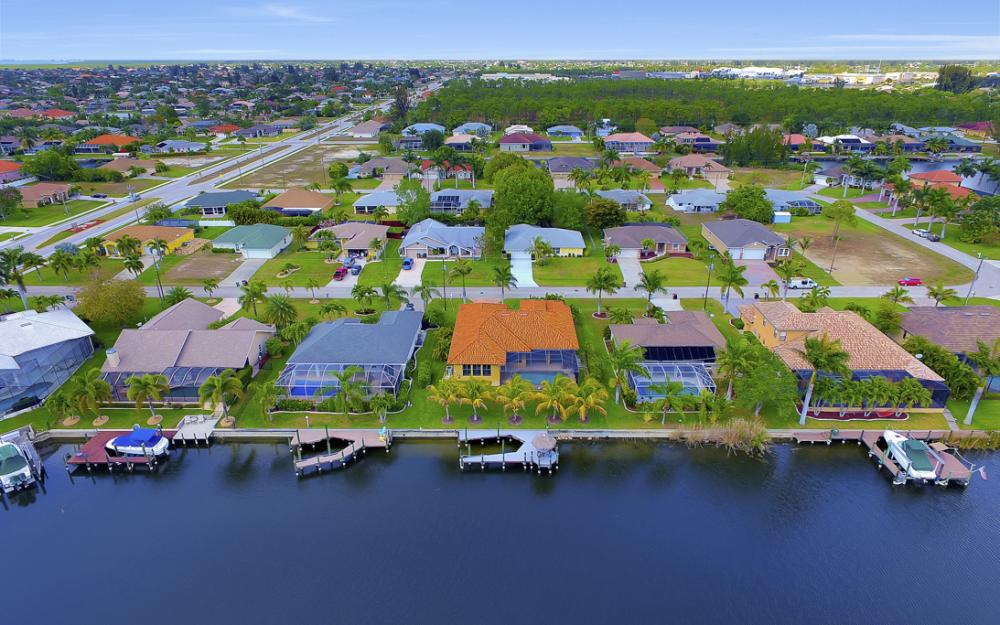 2400 SW 39th Terrace, Cape Coral - Home For Sale 548758301