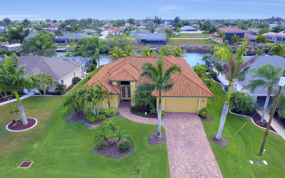 2400 SW 39th Terrace, Cape Coral - Home For Sale 977627440