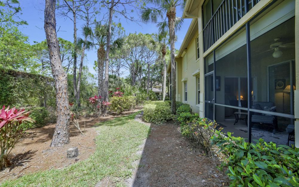 4161 Sawgrass Point Dr unit 102, Bonita Springs - Condo For Sale 860554677