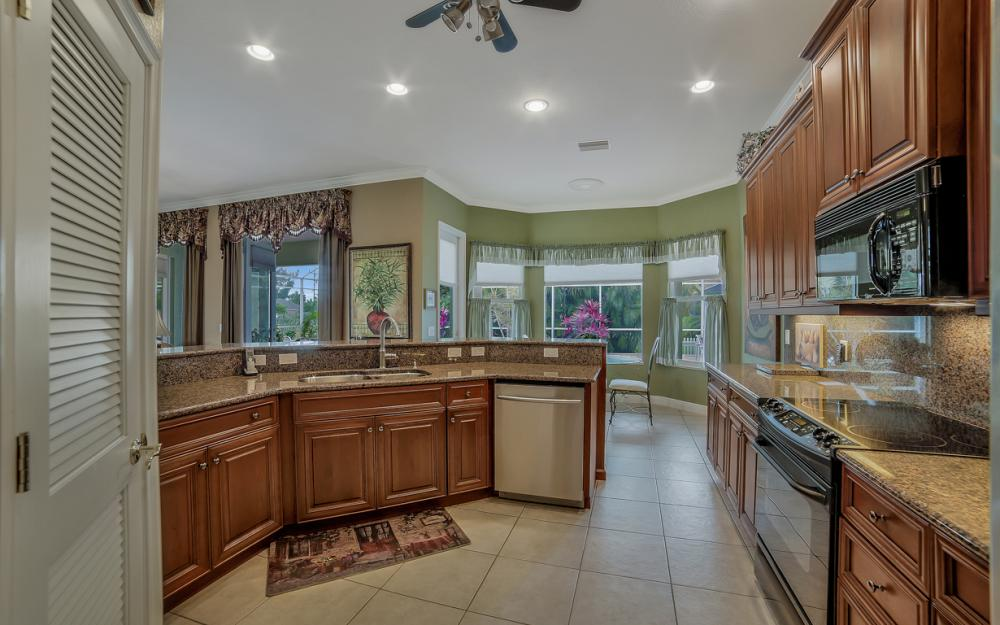 2666 SW 32nd St, Cape Coral - Home For Sale 418941057