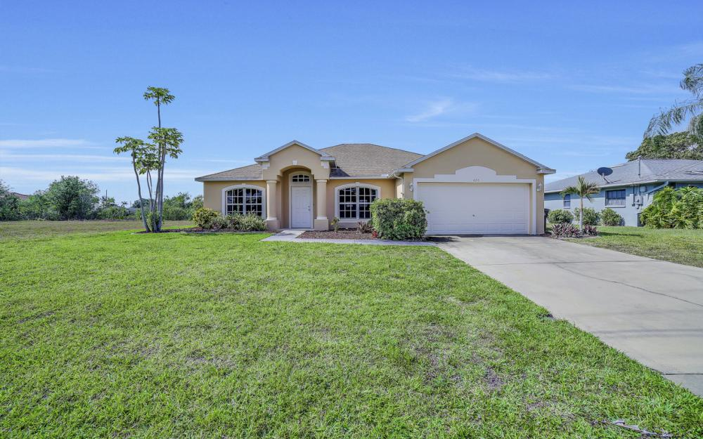 620 Mohawk Pkwy, Cape Coral - Home For Sale 1415783198