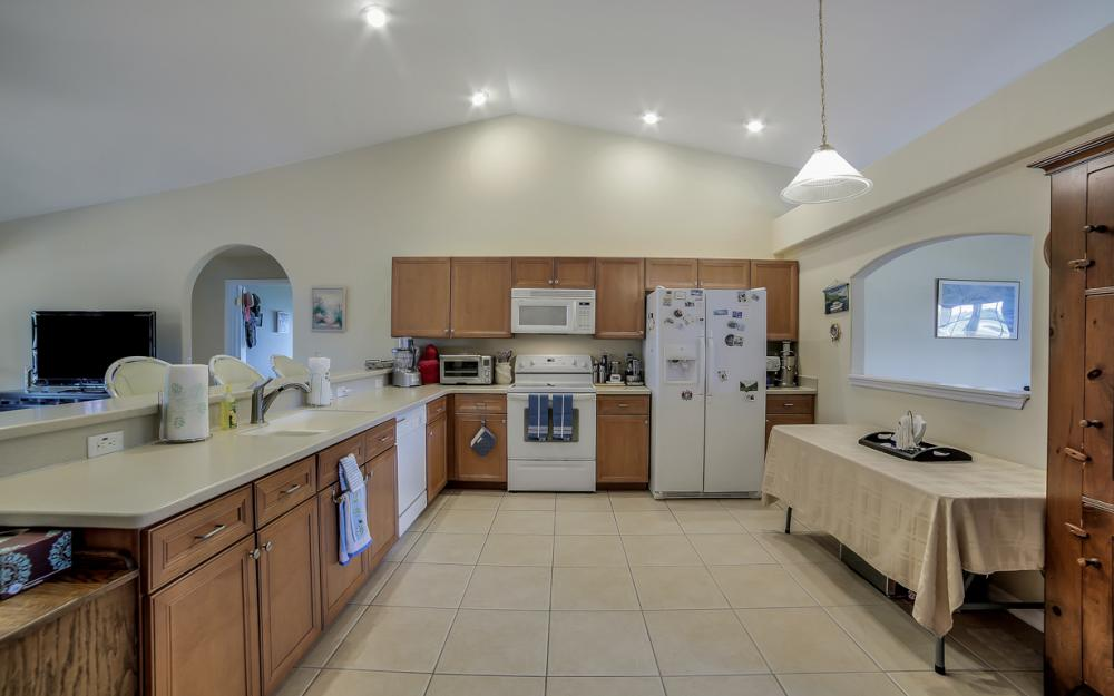 620 Mohawk Pkwy, Cape Coral - Home For Sale 898442302