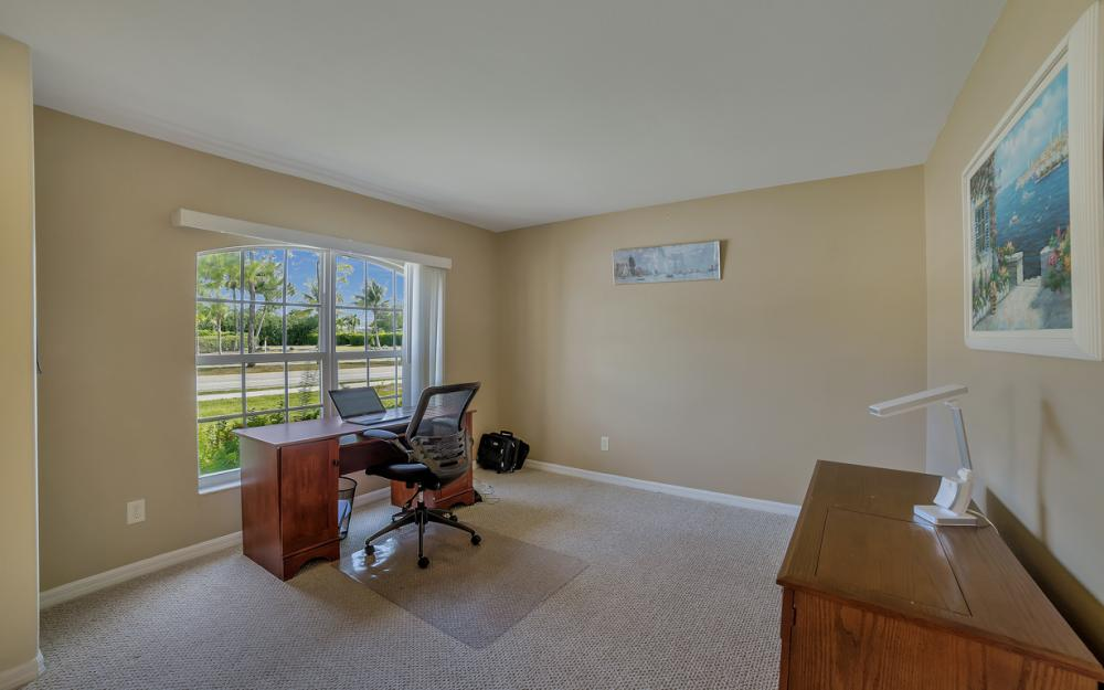 620 Mohawk Pkwy, Cape Coral - Home For Sale 903179159