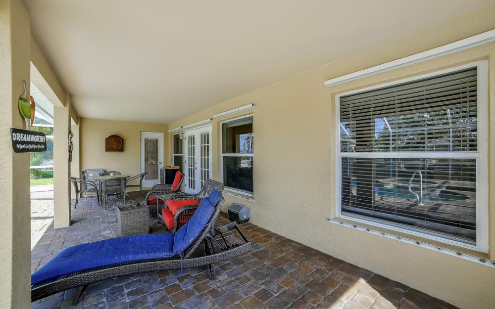 620 Mohawk Pkwy, Cape Coral - Home For Sale 463596885