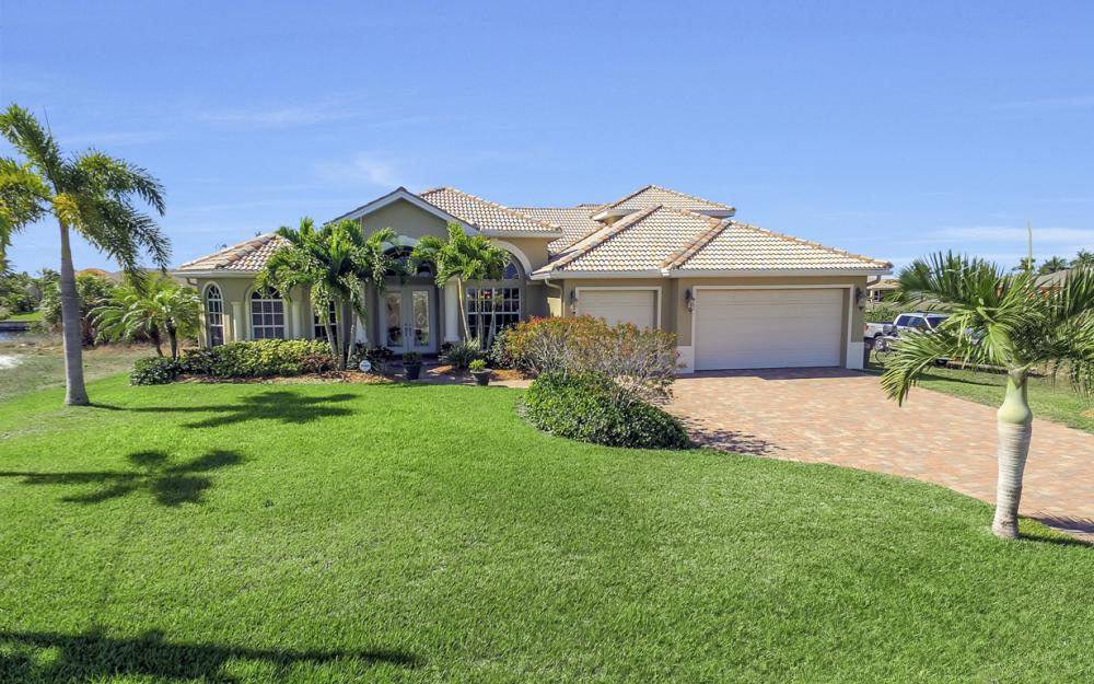 3320 NW 4th St, Cape Coral - Home For Sale 232171365