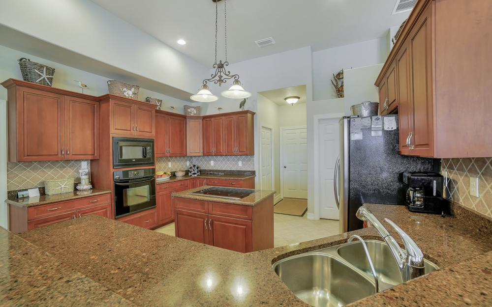 3320 NW 4th St, Cape Coral - Home For Sale 1292138078