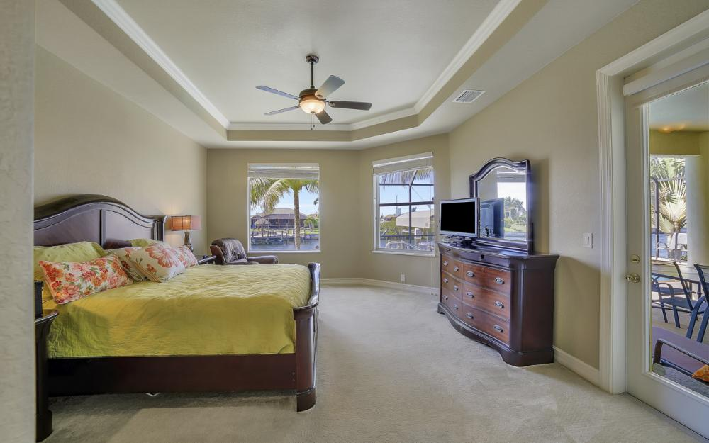 3320 NW 4th St, Cape Coral - Home For Sale 2104344370
