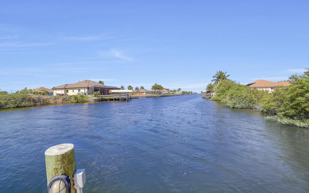 3320 NW 4th St, Cape Coral - Home For Sale 573914390