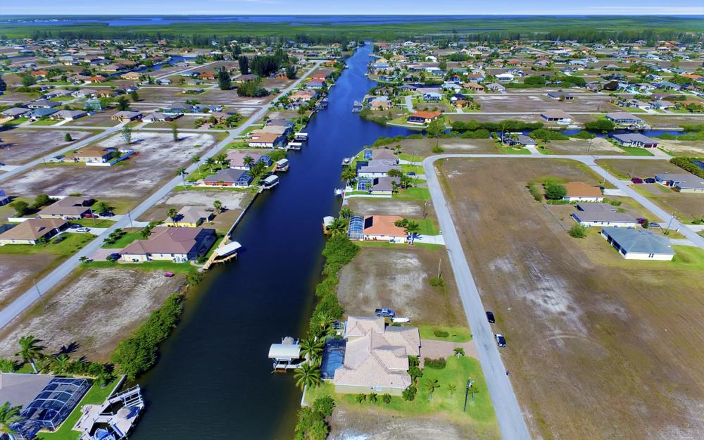 3320 NW 4th St, Cape Coral - Home For Sale 894244678