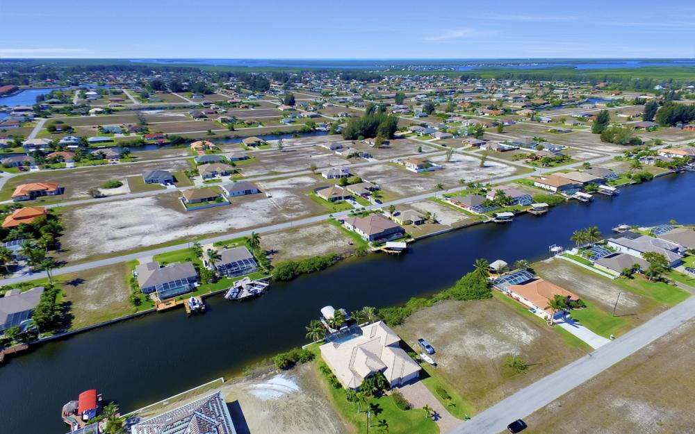 3320 NW 4th St, Cape Coral - Home For Sale 849990008