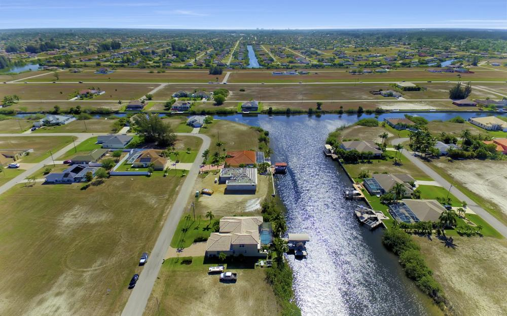 3320 NW 4th St, Cape Coral - Home For Sale 1242362359