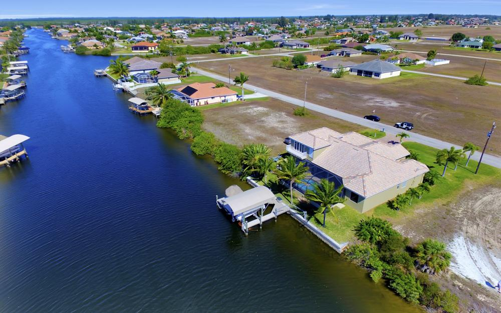 3320 NW 4th St, Cape Coral - Home For Sale 951268413