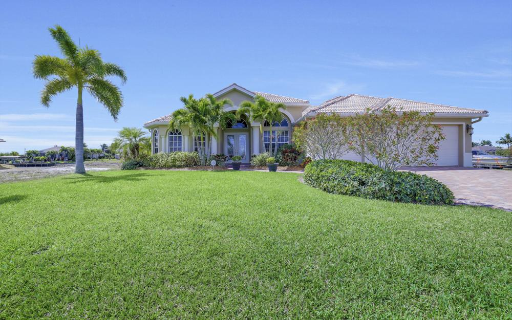 3320 NW 4th St, Cape Coral - Home For Sale 2065535392