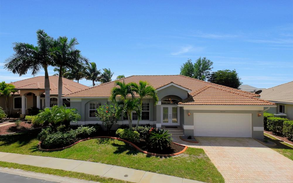 8324 Southwind Bay Cir, Fort Myers - Home For Sale 1564836140