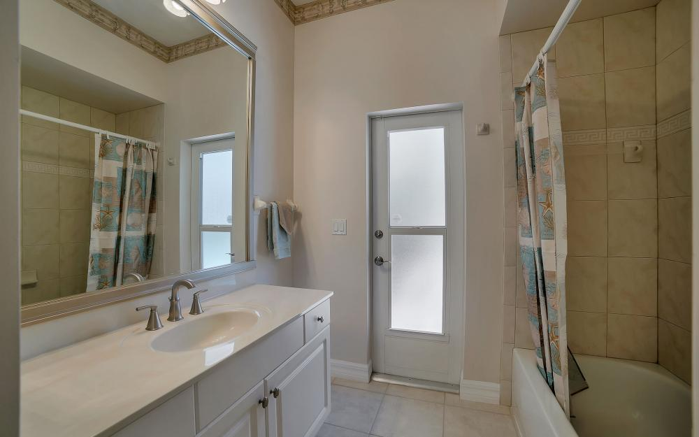 8324 Southwind Bay Cir, Fort Myers - Home For Sale 747558428