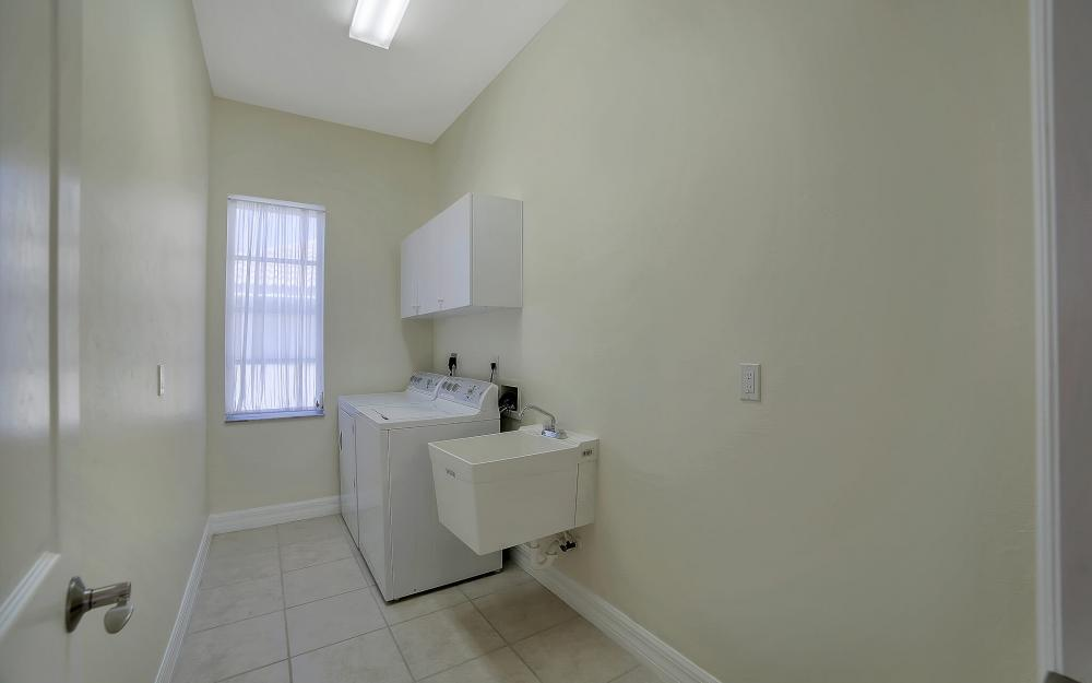 8324 Southwind Bay Cir, Fort Myers - Home For Sale 768041909