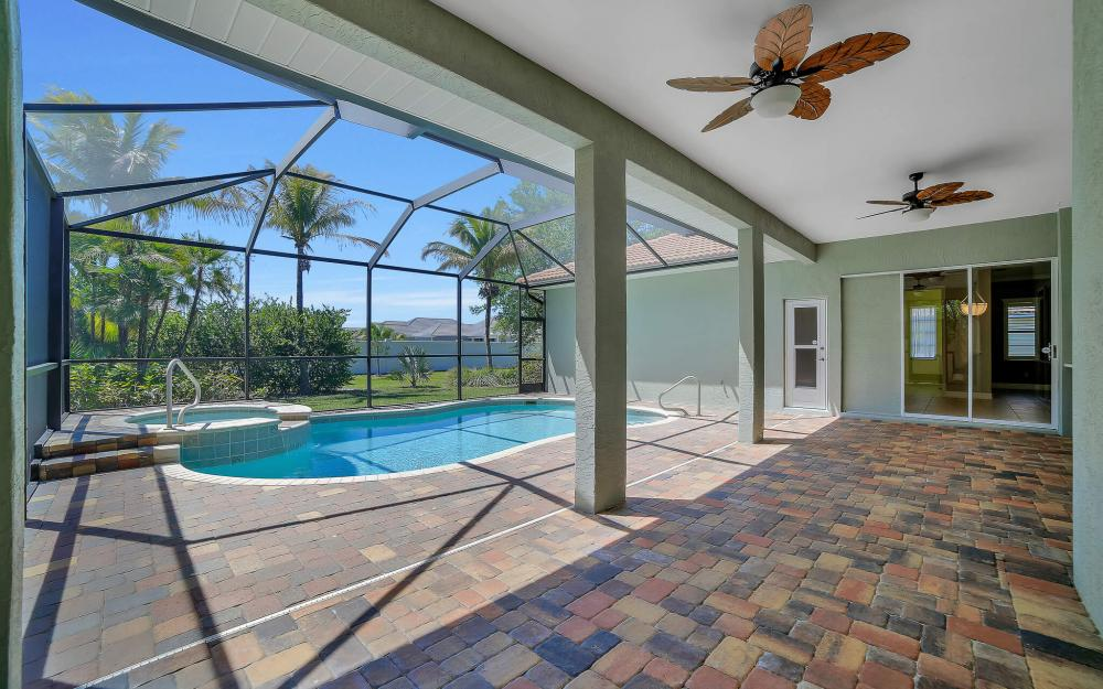 8324 Southwind Bay Cir, Fort Myers - Home For Sale 1153325488