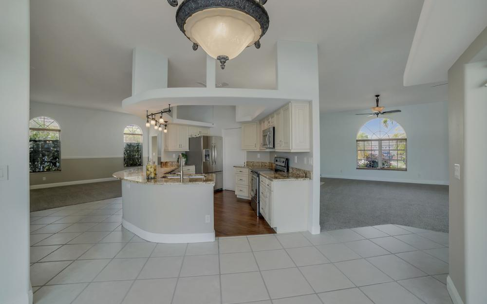 2713 SW 46th St, Cape Coral - Home For Sale 683572952