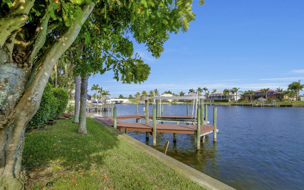2713 SW 46th St, Cape Coral - Home For Sale 910368119