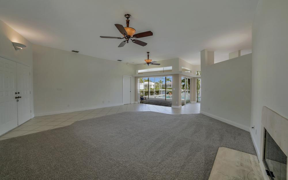 2713 SW 46th St, Cape Coral - Home For Sale 1121260304