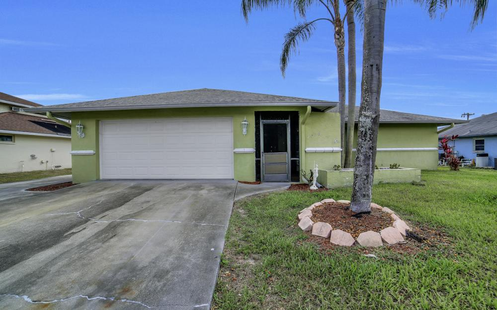 2716 44th St SW, Naples - Home For Sale 2135109503
