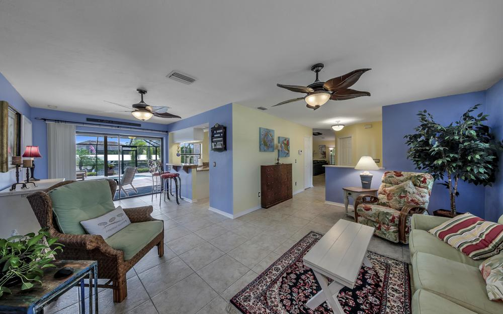 2814 SW 37th Ter, Cape Coral - Home For Sale 76592368